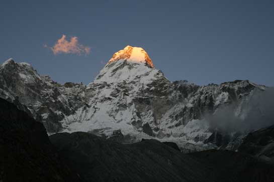 Ama-Dablam-sunset